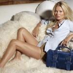 Kate-Moss-models-her-reinvented-Gloucester-bag-in-original-blue-suede-1