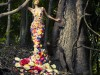 floral_dress_forest_flower_tree_wood_model_2560x1440_hd-wallpaper-1718805