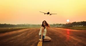 women_aircraft_models_airports_1280x800_artwallpaperhi.com