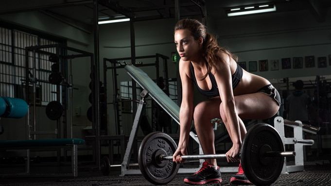 _Girl_with_a_barbell_054499_