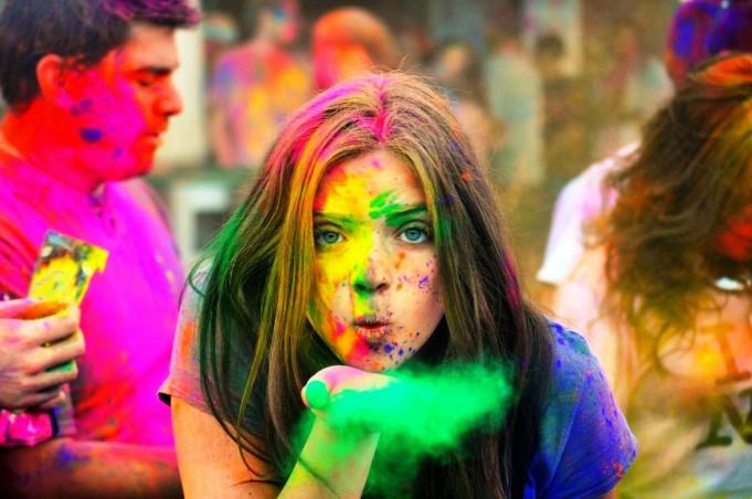 Hot Girl Happy Holi Pics Images