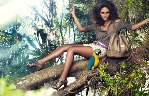 brunettes-women-trees-models-parrots-shorts-denim-shorts-handbag-_2074-20-