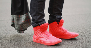 man-fashion-blogger-street-style-best-fashion-blog-2014-2015-mens-style-guy-lee-jeans-8-clothinng-black-cardigan-trends-vest-red-sneakers-shoes-denim-shirt-prada-6