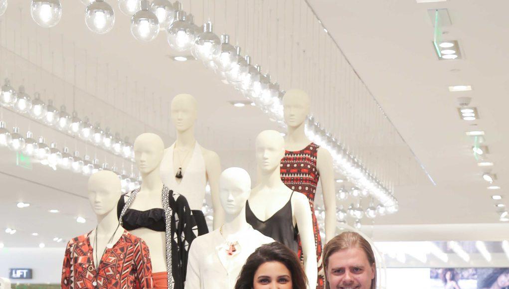 H&M Store 4000- DLF Mall of India- Parineeti Chopra with Country Manager Janne Einola