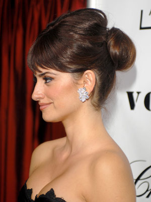 Penelope-Cruz-volume-bun