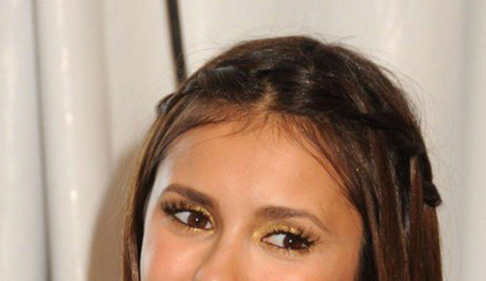nina-dobrev-les-secrets-de-son-maquillage-aux-teen-choice-awards-2012-474398_w1000