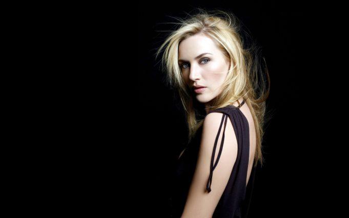 ws_Kate_Winslet_Little_Black_Dress_2560x1600