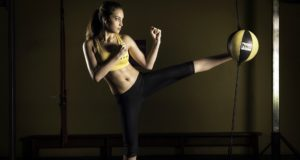 SPORTS___girl_fitness_kickboxing_exercise_1920x1080