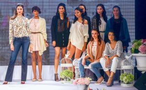 2da4994500000578-3283356-models_walk_the_ramp_showcasing_actress_deepika_padukone_s_right-m-5_1445462690681