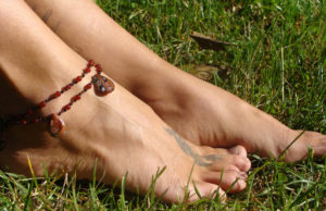 simply_knots_beaded_summer_hippie_anklet_by_noisypixie-d6sau19