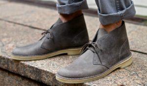 mens-grey-desert-boots-street-style-1170×690