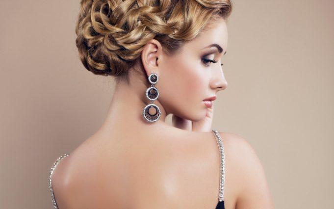 woman-earrings-jewelry-makeup-wallpapers-1680×1050