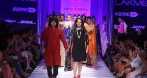Designer-Anita-Dongre-with-Niladri-Kumar-at-LFW-WF-20141
