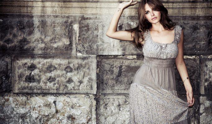 382735-glamour-fashion-girl