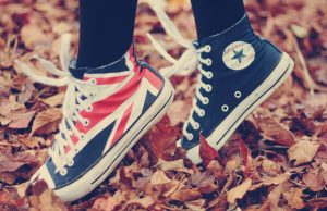 shoes_sneakers_converse_style_fall_sports_49260_1920x1080