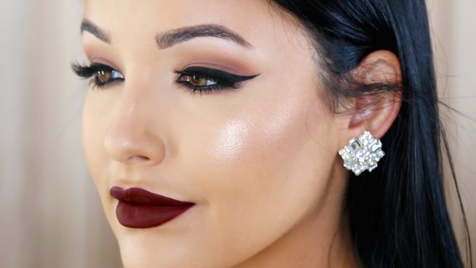 3974335-makeup-pics