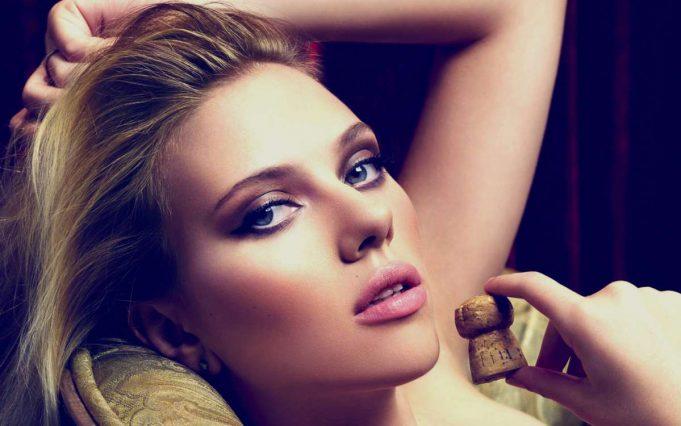 Scarlett-Johansson-Hot-Make-Up-Look-Hd-Wallpaper-2013