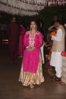 Bollywood Stars At Ganpati Celebrations _ stylegods