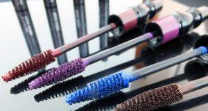 how-to-wear-coloured-mascara_mac-false-lashes-coloured-mascara