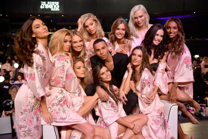 Victoria Secret Backstage 2017 _ stylegods