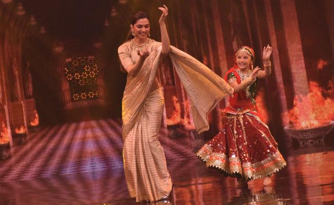Deepika Padukone Padmavati Promotion _ stylegods