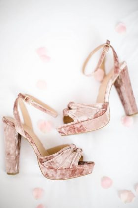 92f40c87ab2Best Wedding Footwear _ style gods4a6db87488f94d4d2edb9
