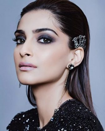 Best Bollywood Makeup Look _ style gods