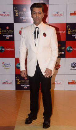 Zee-Cine-Awards-KaraZee Cine Awards 2017 _ style godsn-Johar-in-Gucci