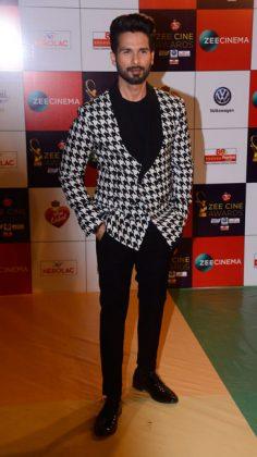 Zee-Cine-AZee Cine Awards 2017 _ style godswards-Shahid-Kapoor