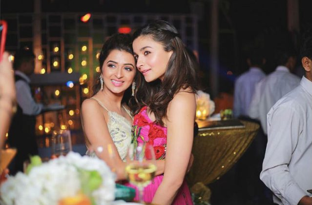 178216_2Alia Bhatt Bridesmaid Look _ Style Gods711057_updates