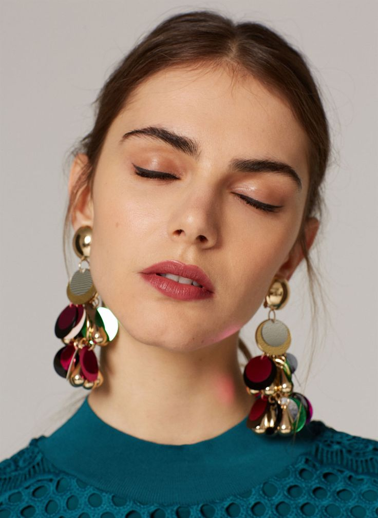 Accessories Are More Crucial Than Ever: 2018 Accessories Trend