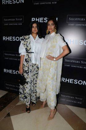 Designer Indian Wedding Wear _ style godsDesigner-sarees-Sonam-Kapoor-1