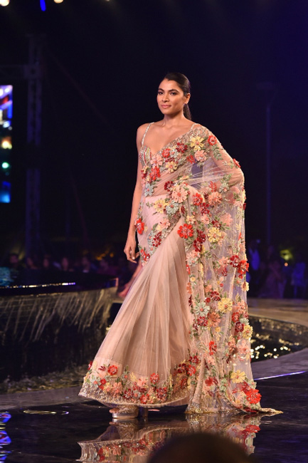 Flashy And Sparkling Display Of Manish Malhotra Summer Collection 2018