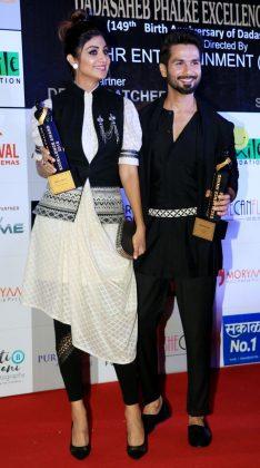 20180421222854- Dadasaheb Phalke Awards 2018 _ Style Godsmg-3953-1524334939