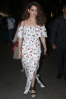 Bollywood Celebrities Summer Wardrobe _ Style GodsKangana-Ranaut-at-Mumbai-airport1