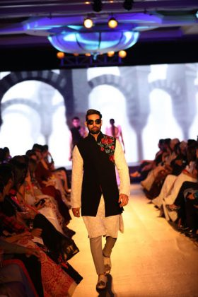 Manish Malhotra Mijwan Fashion Show _ Style Gods