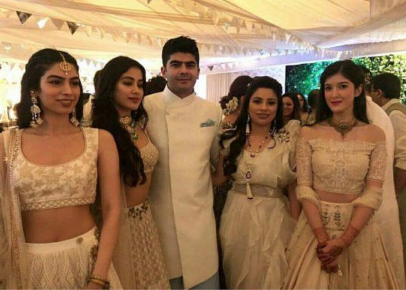 Inside-Sonam Kapoor Sangeet _ Style Godsures-Sonam-Kapoor-Anand-Ahuja-Mehendi-15-866×618