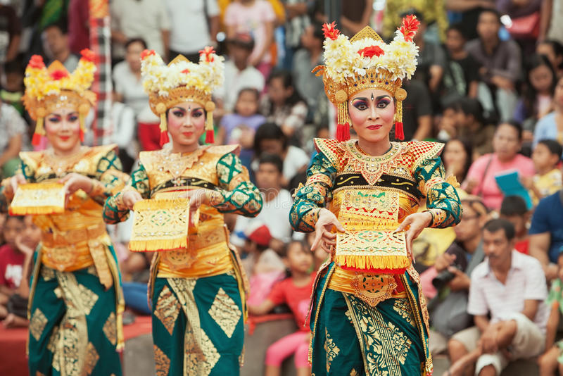 Worldwide Traditional Clothing That Define A Region S Cultural