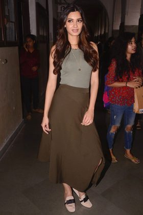 Elegant Bollywood Dressing _ Stylegods