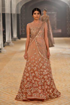 Tarun Tahiliani India Couture _ Style GodsunTahilianiRunway119