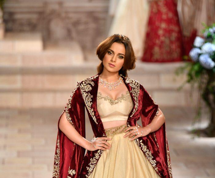 Anju Modi India Couture 2018 _ Style GodsiRunway240