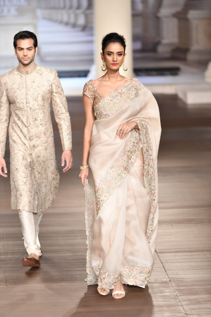 f51615806f0f5 A Luxurious Collection By Shyamal Bhumika India Couture 2018