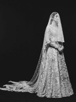 Sabyasachi-Sabyasachi Wedding Collection 2018 _ Style Godswedding-dress-Vogue-India-7-440×591