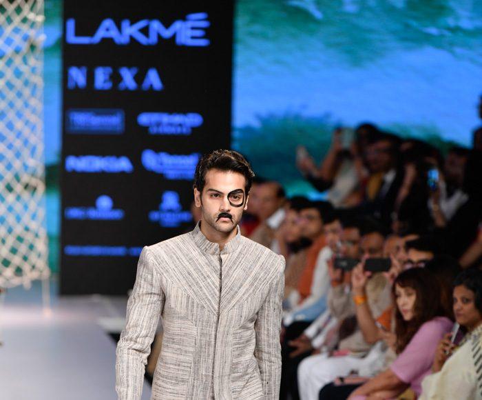 Lakme Fashion Week 2018 Day 2 _ Style GodsiAndVillageIndustriesCommissionRunway066