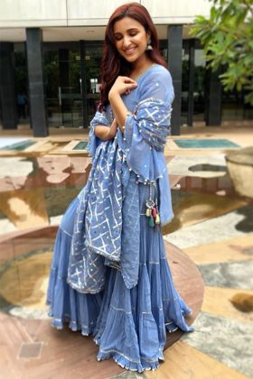 Easy Celebrity Outfits _ Style GodsParineeti-Chopra-in-Sukriti-Aakriti-at-Namaste-England-promotions-in-Mumbai