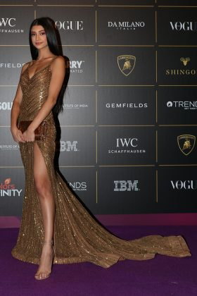 Alanna-Panday-at-Vogue Women Of The Year 2018 Awards _ Style GodsVogue-Women-of-the-Year-Awards-2018-in-Mumbai