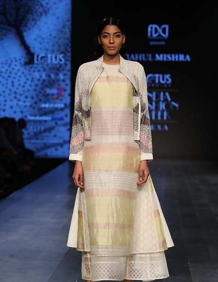 CollectioLotus Makeup India Fashion Week Day 3 _ Style Godsn-by-Rahul-Mishra-at-LMIFW-SS19-4