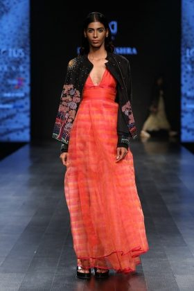 Lotus Makeup India Fashion Week Day 3 _ Style Gods