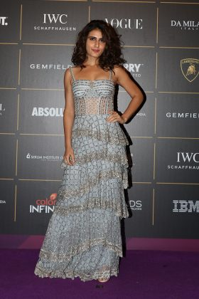 Fatima-SaVogue Women Of The Year 2018 Awards _ Style Godsna-Shaikh-at-Vogue-Women-of-the-Year-Awards-2018-in-Mumbai