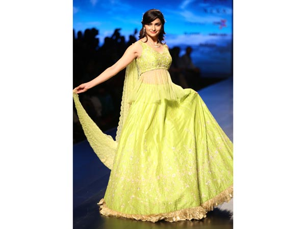 xprachi-dLotus Makeup India Fashion Week Day 3 _ Style Godsesai-2-1539340808.jpg.pagespeed.ic.kT91aVcXZl